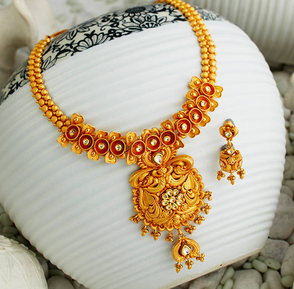 shortnecklace4 Gold Jewellery Bridal Jewellery Stores